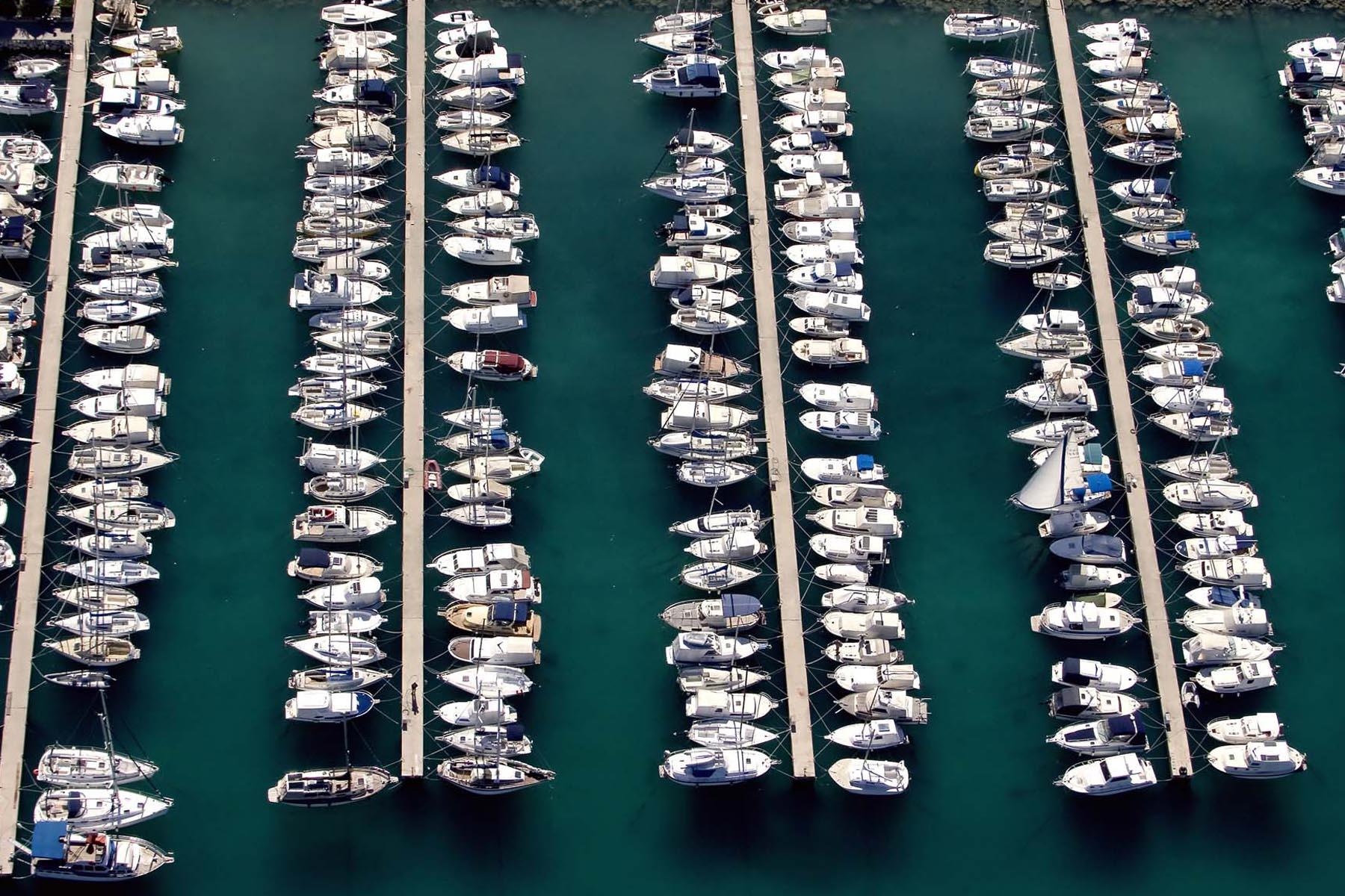 ionas yacht marina